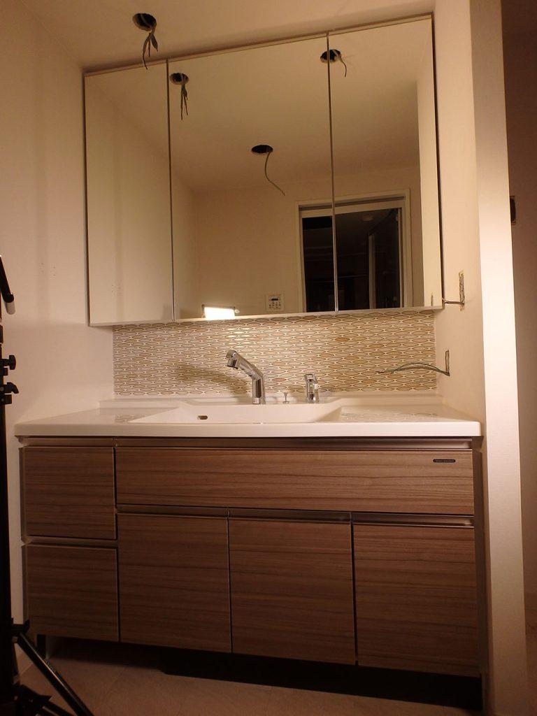RAW17 展示品 タカラスタンダード 洗面化粧台 三面鏡 洗面器 鏡 ミラー 収納 水栓付き W1300 H2100 D600